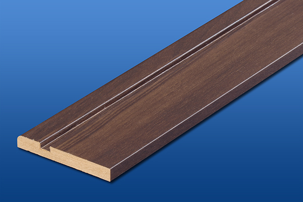 ウオルナット色の巾木厚さ7mm長さ1800mm写真